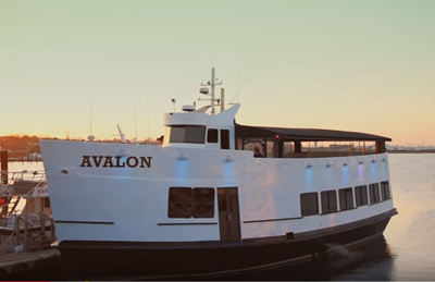 NYC charteryacht Avalon port at dock