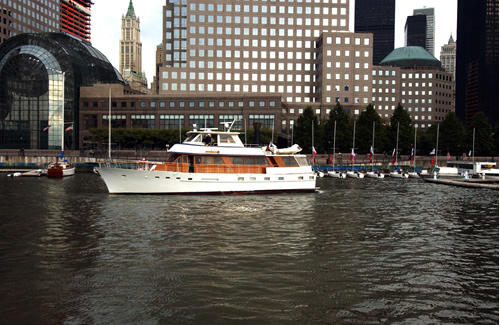 New York Motor Yacht Calypso port side
