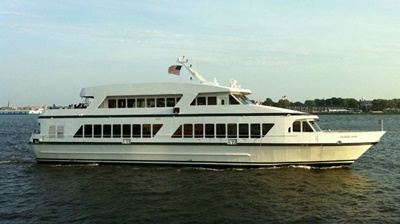 NYC motor yacht ?Cloud 9 IV port