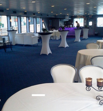 NYC motor yacht Cloud 9 IV white dining