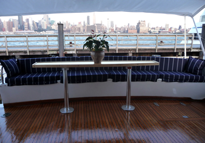 Neww york  yacht justine fantail