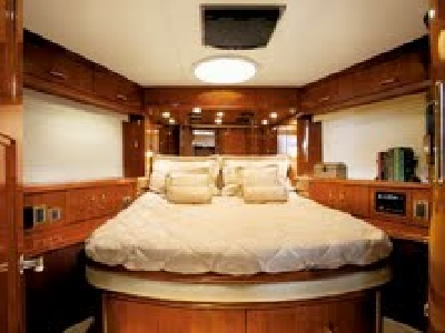 NY charter yacht Lyric - second stateroom