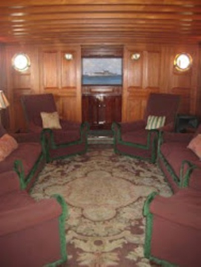 Mariner III salon