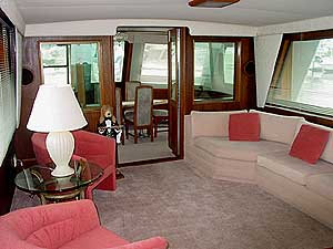 NYC Charter Yacht Real Escape interior