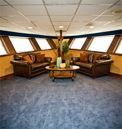 Motor yacht Respect - interior bow lounge