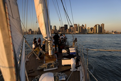 NY saling yacht Shearwater downtown aft