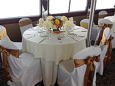 Yacht 110 wedding table