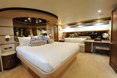 nyc charter boat yacht 112 master stateroom