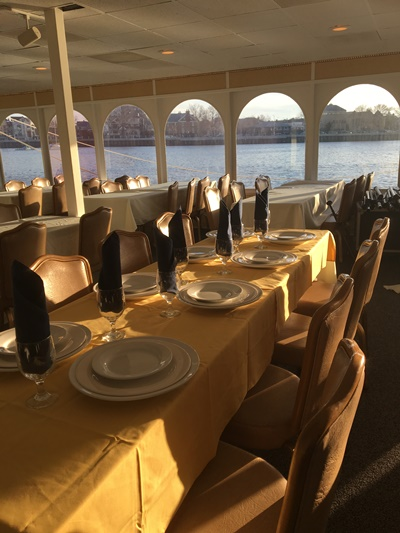 Brooklyn yacht 500 rect tables
