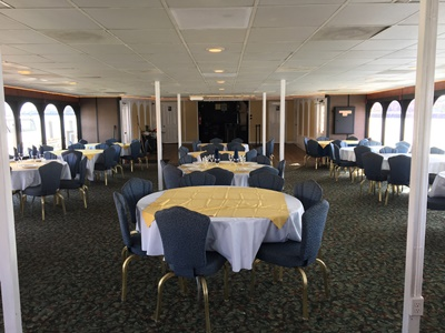 nyc charter yacht 500 round tables