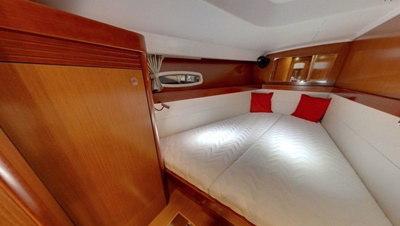 NYC sailboat  yacht 54 stateroom