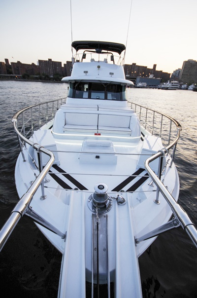 NYC charter yacht 58 anchor platform