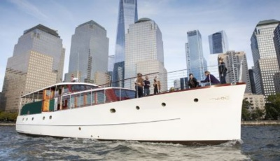 New York classic motor yacht 66 starboard bow