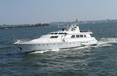 Yacht 97 port bow